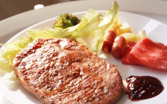 陶瓷涂層無油煙,在家也能輕松吃到高級牛排 — 寶沃佳美 陶瓷涂層電燒烤爐體驗 | 視頻