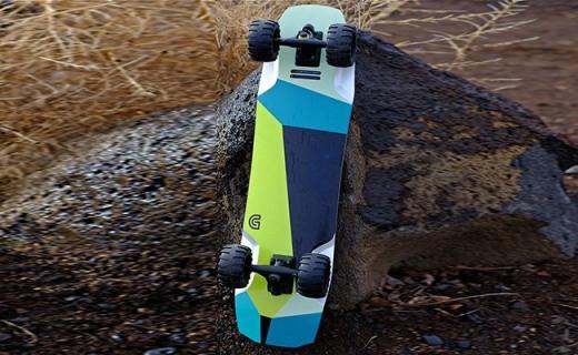 Gold Coast Pyrite滑板:街頭涂鴉風格,加拿大楓木板材輕質堅韌