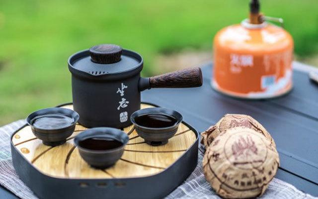 翻山越嶺更需泡壺好茶,愛路客Alocs行云品茶套裝體驗
