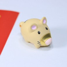 金士顿的 生肖鼠年纪念款U盘,他lei了