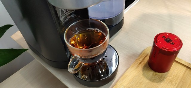 裊裊茶香,品質生活   萊卡凈水茶飲一體機