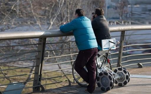 讓殘疾人正?;顒?,站立輪椅Laddroller亮相眾籌