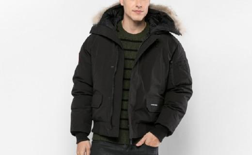 Canada Goose羽絨服:天然郊狼毛毛領,款式時尚休閑