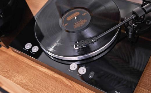 复古与科技的结合:雅马哈黑胶唱片情?#28526;?#34920;,还支持蓝牙连接