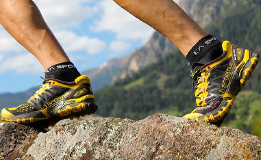 超轻顶?#23545;?#37326;跑鞋,让你在山间如履平地