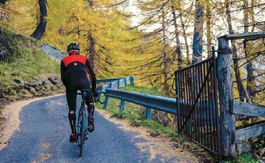 蝎子騎行服,高級面料鎖溫,冬季騎行必備