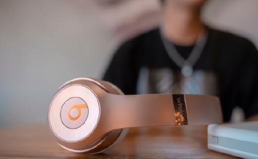 跑酷達人的Beats耳機:佩戴舒適個性十足,音質清晰電力持久!