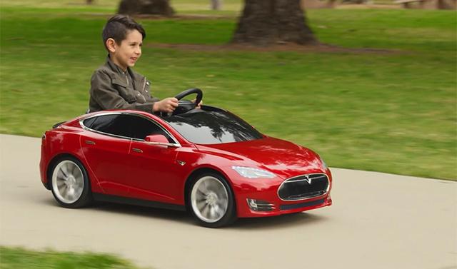 特斯拉 Model S 兒童版 首發試用