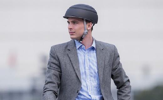 可以折疊的騎行頭盔,能放在任何背包中