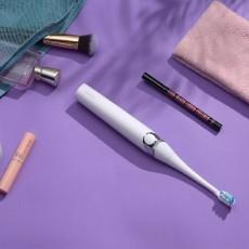 """牙医护理界的媒体称为""""最具性价比专业电动牙刷""""。扉乐。"""