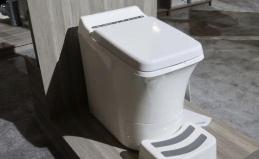全球首款烤屎马桶!600度高温炖热翔永远拉不堵,价格吓得我便秘了…