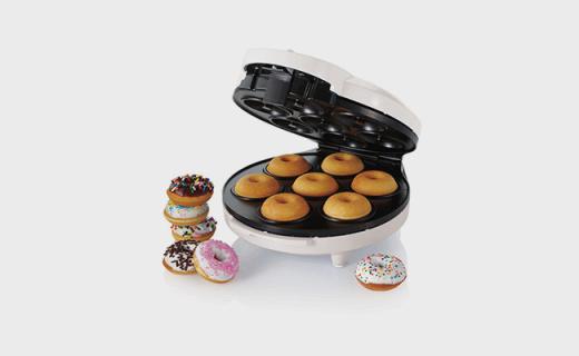 Oster甜甜圈機:上下兩層同時加熱,出爐只需5分鐘