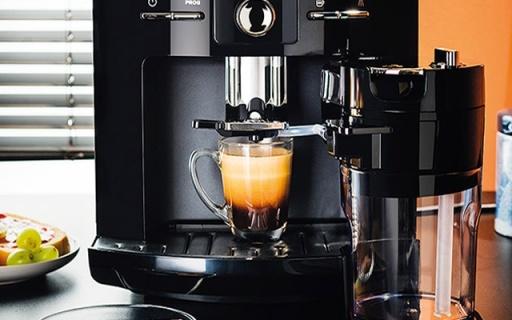 Krups全自动咖啡机:一键卡?#35745;?#35834;,口感优秀不用再去?#21069;?#20811;