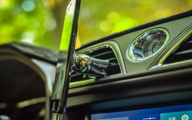 触手可及 安全稳定——奈爱斯蒂莱车载手机支架评测