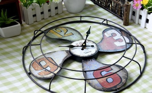 咖迪家用静音挂钟:铁皮风扇造型,镂空金属复古文艺