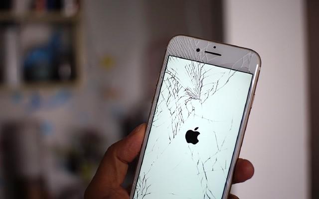 预算不到300块,如何让这部iPhone7复活?
