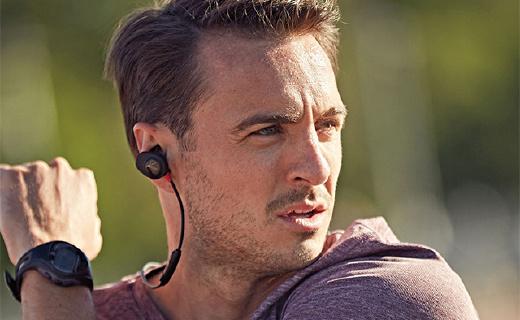 能监测心率的BOSE蓝牙耳机,靠近手机就能配对