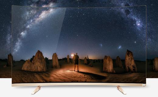 海信超薄曲面智能電視,顏值高還能幫你找遙控器