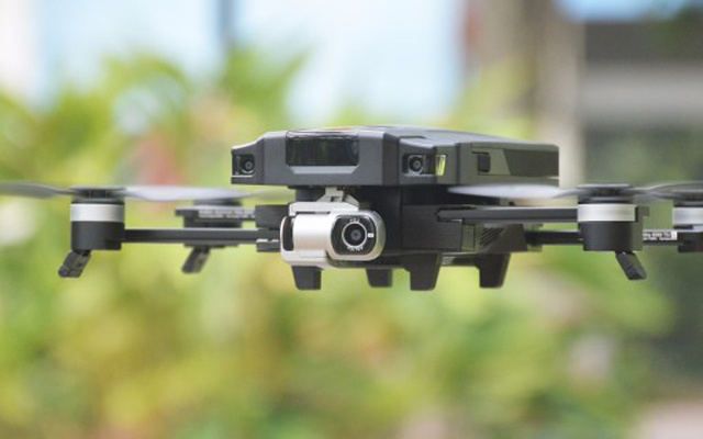 飞行新手也能拍出航拍大片,?#32617;鍳DU O2无人机体验