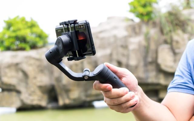 折疊便攜,簡而不減 | 飛宇Vlog Pocket手機穩定器