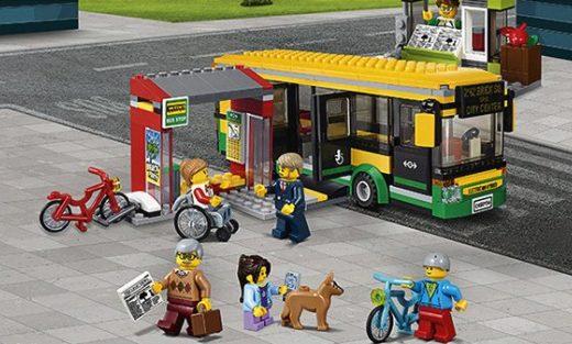 乐高City系列公交车站积木:多种人偶造型,材质健康安全