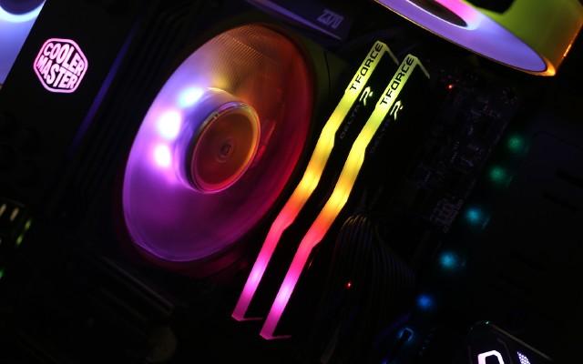 支持XMP2.0神光灯条,十铨DELTA RGB灯条体验