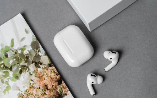 消息称苹果将于下月发布新款AirPods,疑似AirPods Pro Lite
