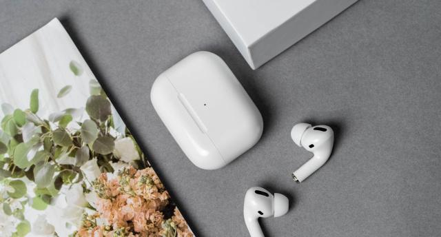 消息稱蘋果將于下月發布新款AirPods,疑似AirPods Pro Lite