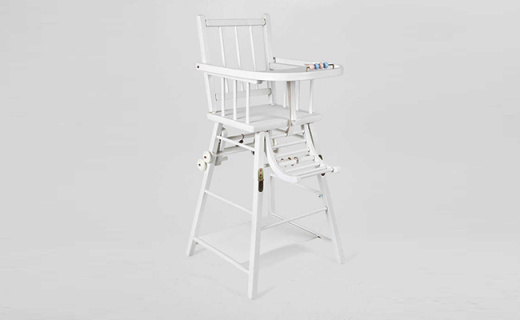 Zara Home兒童餐椅:櫸木制造安全牢固,可變形設計一椅兩用