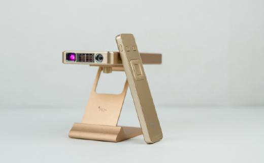 自動對焦的便攜投影,隔空虛擬控制告別遙控器