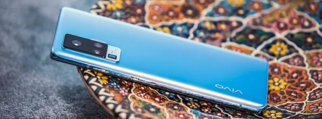 """自帶""""穩定器""""的拍照手機:全焦段影像,讓你告別修圖和三腳架~"""