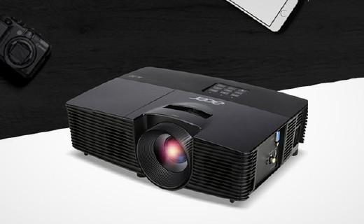 宏碁D605H投影仪:画质清晰不闪屏,用了它,后悔买电视了