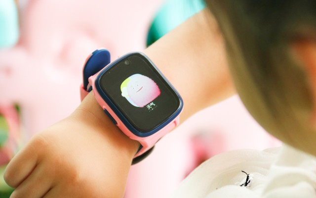 媽媽的貼心幫手 | 阿巴町兒童手表V5,隨時關注寶貝動態