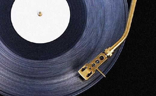 黑胶唱机中的?#32617;?#25285;?#20445;?#21644;Siri一样能听歌识曲