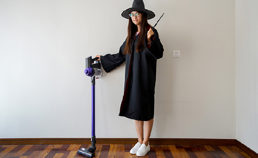 哈利波特把扫把换成这个吸尘器,做家务简直就像施了魔法