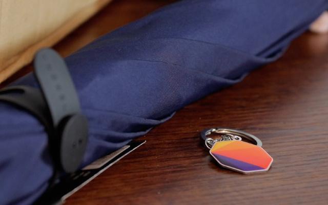 防水抗风是必备技能,但能?#19981;?#30340;雨伞你见过吗 | 视频