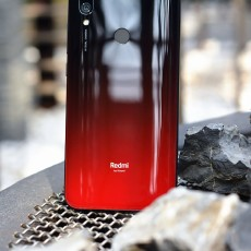 红米7正式发布:又是水滴屏,699元起