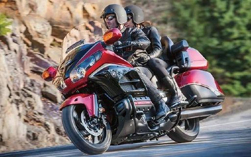 本田金翼摩托车,摩托车里的席梦思