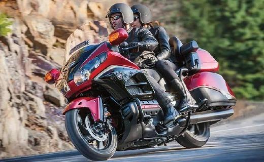 本田金翼摩托車,摩托車里的席夢思