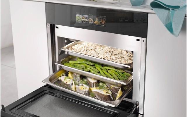 如何選擇適合自己的微蒸烤箱一體機?應該要注意這些問題