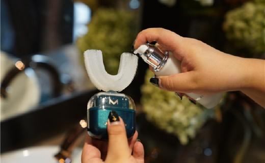 「体验」刷牙也要解放双手!是懒到极致还是智慧黑科技?这款洁牙仪给你答案