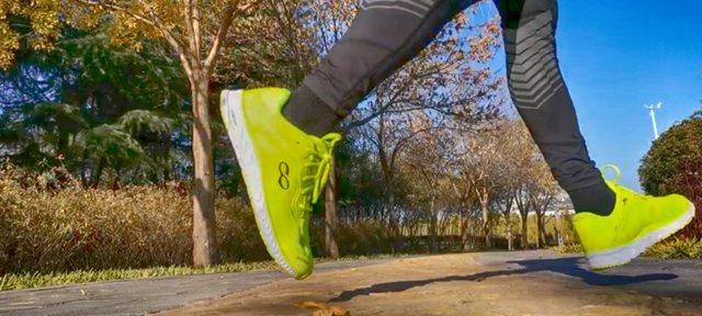 輕彈有型,智慧于芯,咕咚智能跑鞋42K體驗