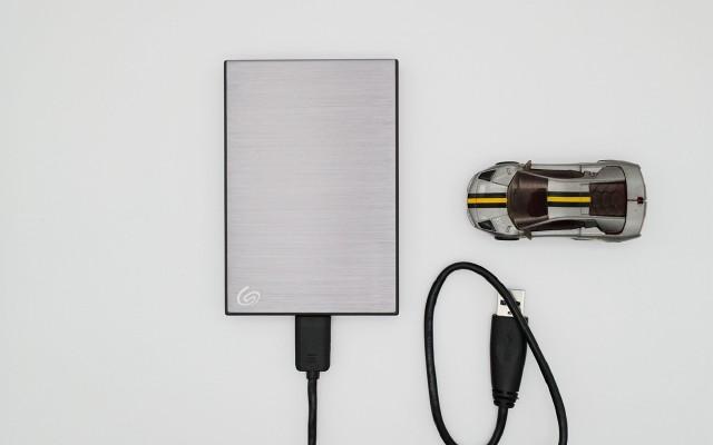 """希捷銘系列移動硬盤,將數據""""銘""""記于芯"""