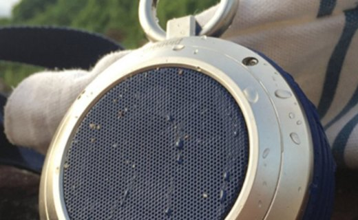Divoom便携蓝牙音箱:双声道金属蓝牙小钢炮,小巧机身户外便携