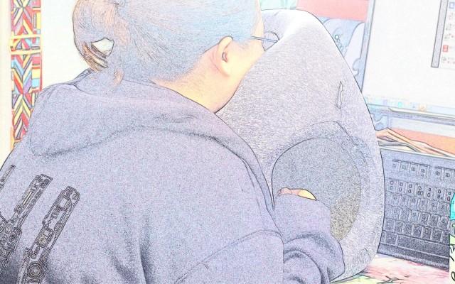 立式助眠午睡枕是你要的休息神器嗎?