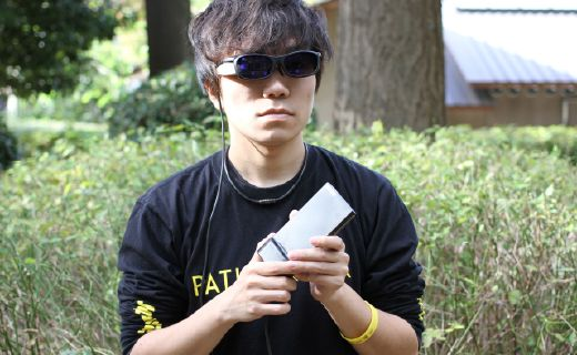 日企发明一款能够同时看见前后景象的眼镜,售价高达17600元