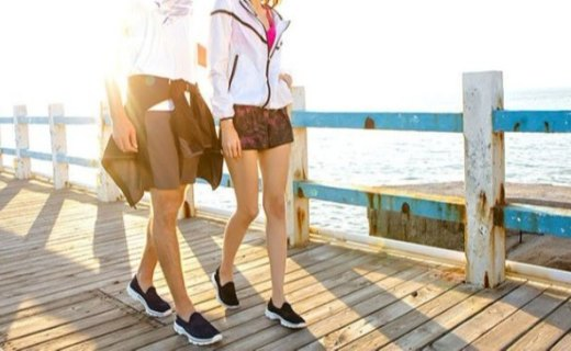 斯凯奇GO WALK 3健步鞋:透气镂空网布鞋面,防滑耐磨脚感舒适
