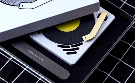 精致小巧的小唱机,让你的生活与悦音更近一步
