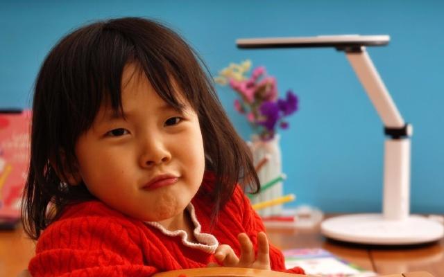 保护眼睛从台灯开始:孩视宝VL225A护眼台灯评测