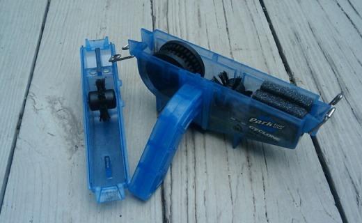 Park Tools CM5.2链条清洁器:密集刷毛深度清洁,金属颗粒不残留